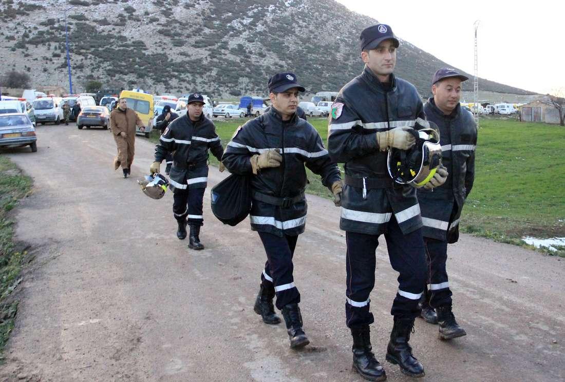 مصرع 13 شخصًا في اصطدام بين شاحنة وحافلة بالجزائر