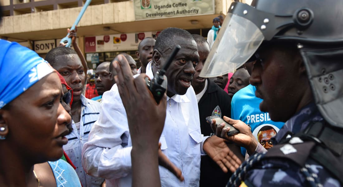 السلطات الأوغندية تعتقل أحد المرشحين المعارضين للرئاسة قبل أيام من الانتخابات