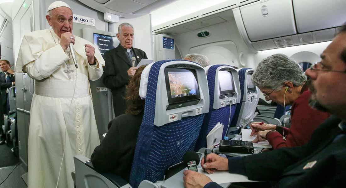 بابا الفاتيكان: دونالد ترامب ليس مسيحياً.. والمرشح الجمهوري: تصريحاته مخزية