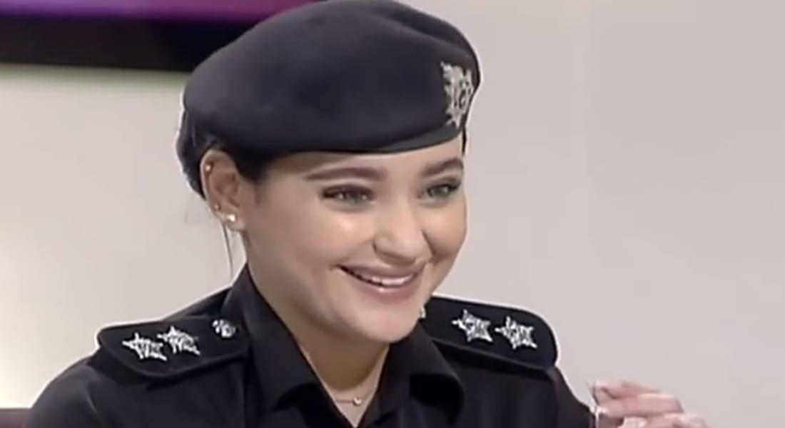 بالفيديو: الضابطة الكويتية العنود العبدلي تُشعل مواقع التواصل.. ومغردون يتوقعون مشاركتها في مناورات رعد الشمال