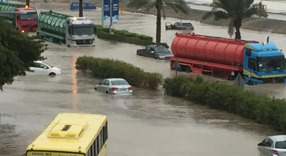 بالصور.. عاصفة جوية قوية لم تشهد مثلها الإمارات منذ سنوات
