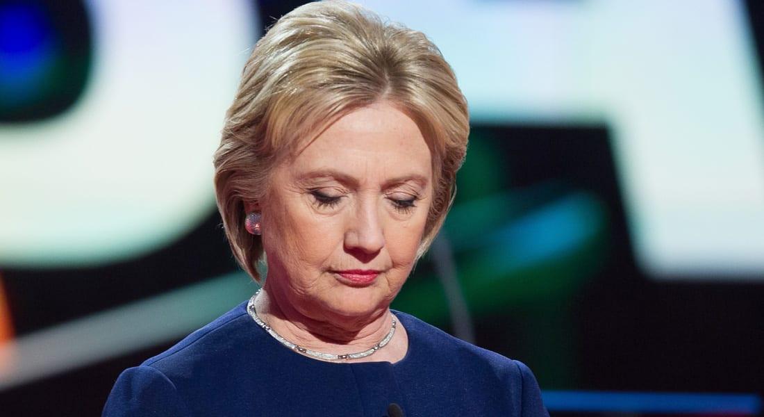 رأي عن المرأة والسياسة بأمريكا: ماذا تفعل كلينتون وسط تراشق المزاح حول عضو ترامب الذكري؟