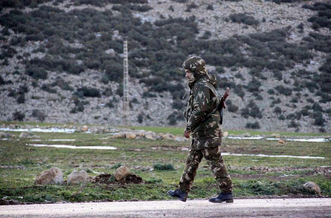 """الجيش الجزائري يقضي على ستة """"إرهابيين"""" قرب الحدود مع تونس"""