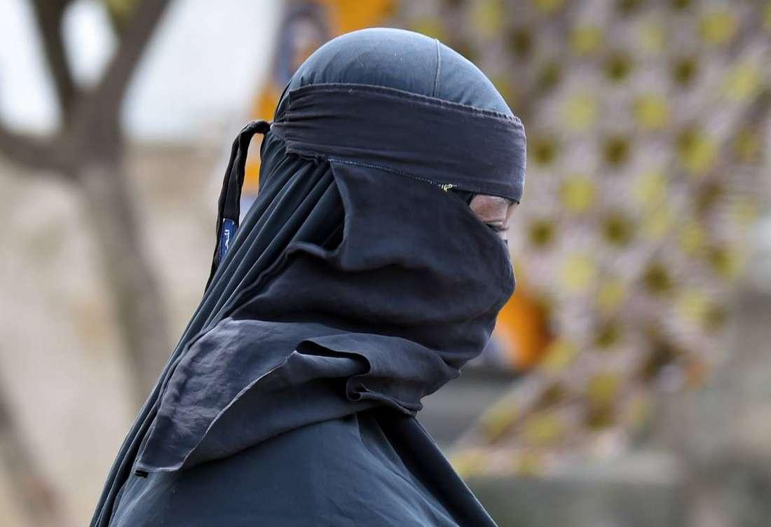 """سياسيون تونسيون يطالبون بمنع النقاب لأجل المساهمة في """"محاربة الإرهاب"""""""