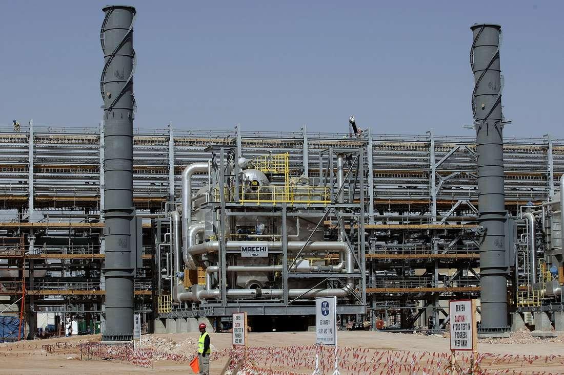 توقع سعودي بارتفاع حجم استثمارات المملكة في الجزائر إلى مئة مليار دولار