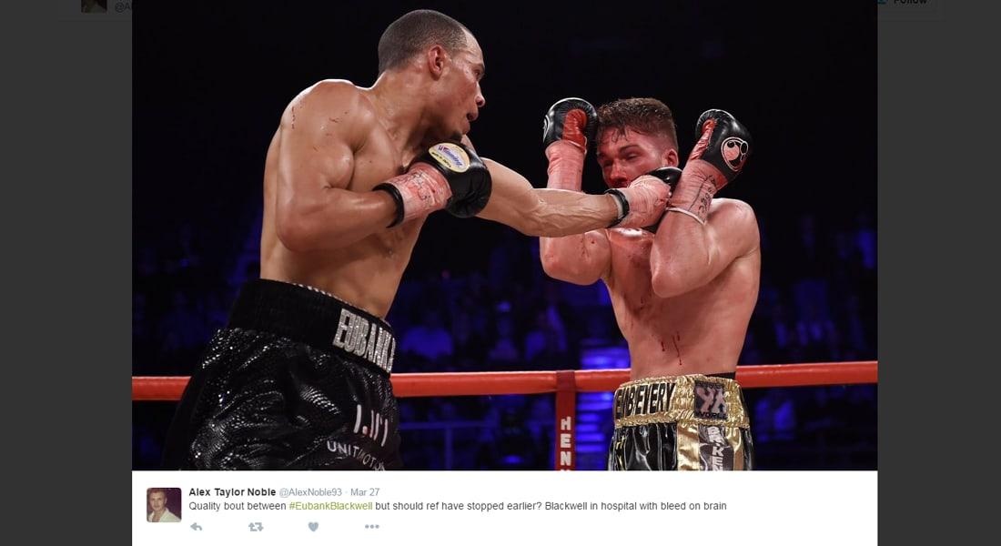 بعد سلسلة من الضربات القاسية بلا هوادة.. خرج الملاكم البريطاني من حلبة الملاكمة ليدخل في غيبوبة