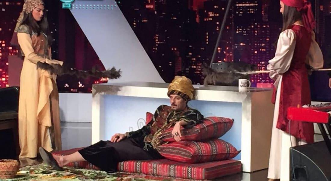 """بالفيديو.. رد عنيف من """"السلطان"""" عادل كرم على أحلام.. والفنانة الإماراتية: سآتي لبنان غصباً عن """"الزبالة"""""""