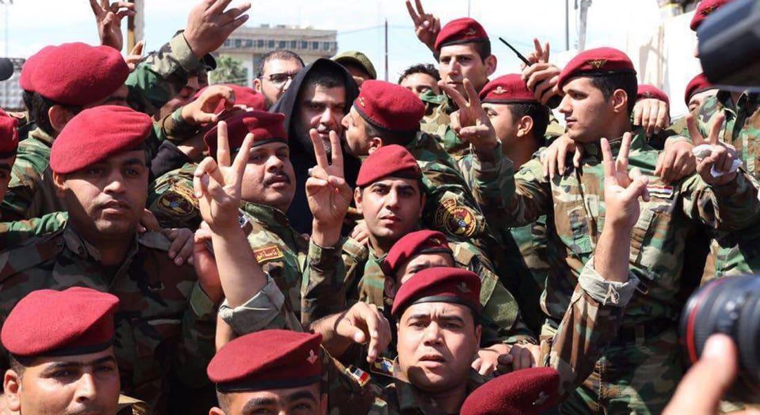 """العراق: العبادي يقدم تشكيلا حكوميا جديدا.. والصدر يدعو لإنهاء الاعتصام حول """"المنطقة الخضراء"""""""