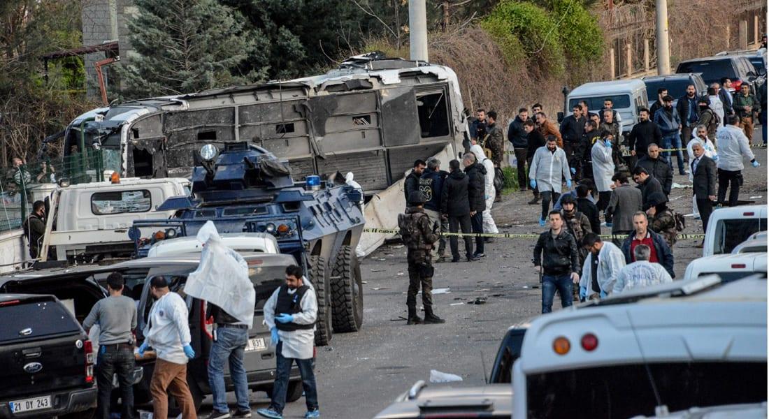 مقتل 7 من الشرطة التركية وإصابة 27 آخرين إثر انفجار في دياربكر