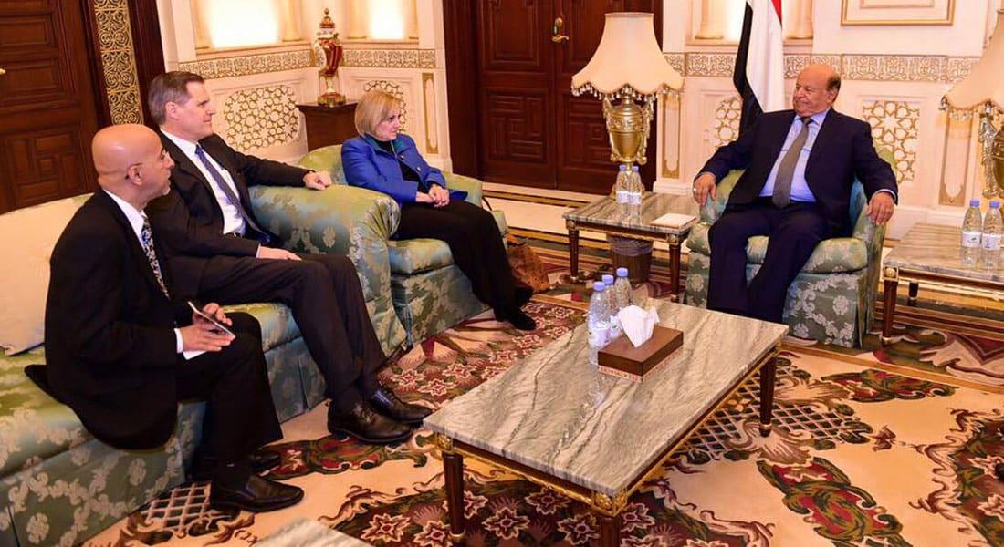 """الرئيس اليمني: ذاهبون إلى الكويت من أجل السلام الدائم.. وبحاح: قرارات هادي """"انقلاب ومخالفة للدستور"""""""