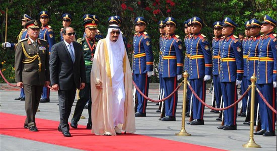 """بالفيديو: السيسي يستقبل العاهل السعودي في أول زيارة.. و""""مصر ترحب بالملك سلمان"""" الثاني عالمياً على """"تويتر"""""""