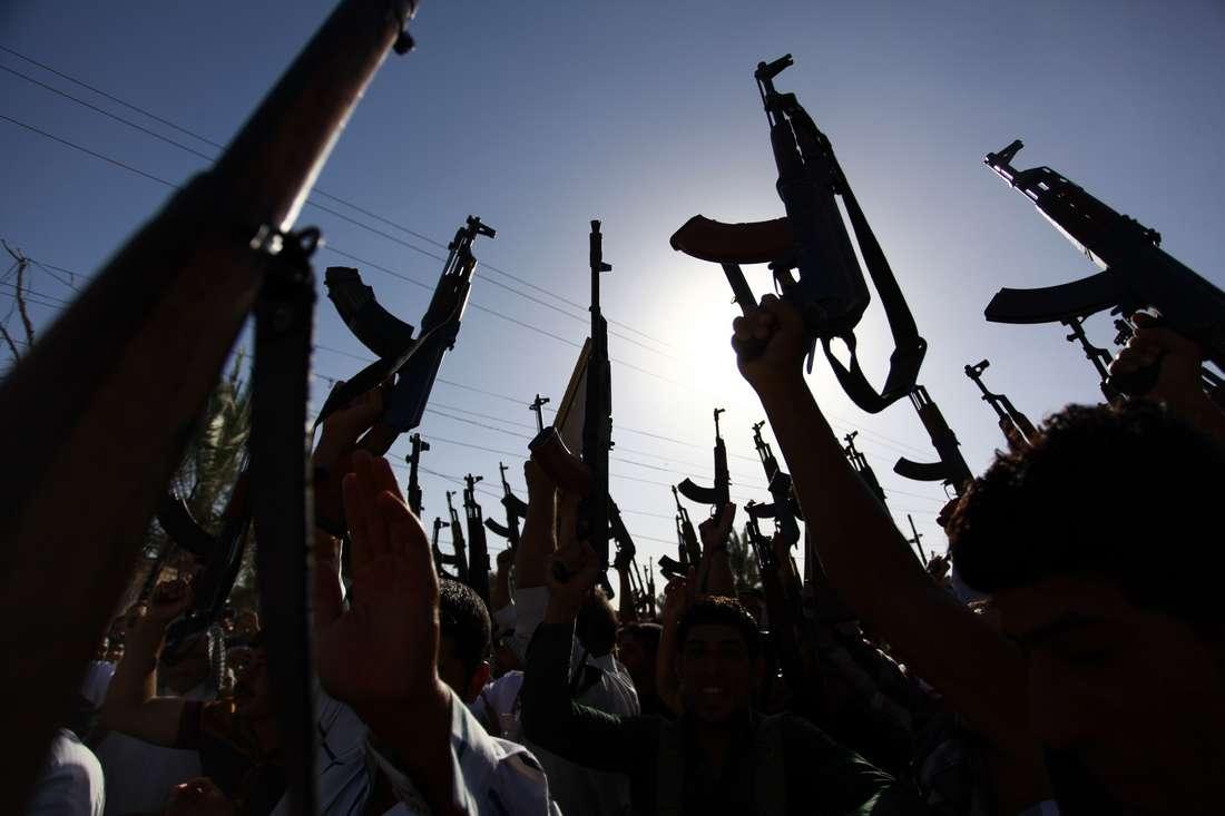 دراسة: السوق السوداء لتجارة السلاح تنتعش في ليبيا عبر فيسبوك