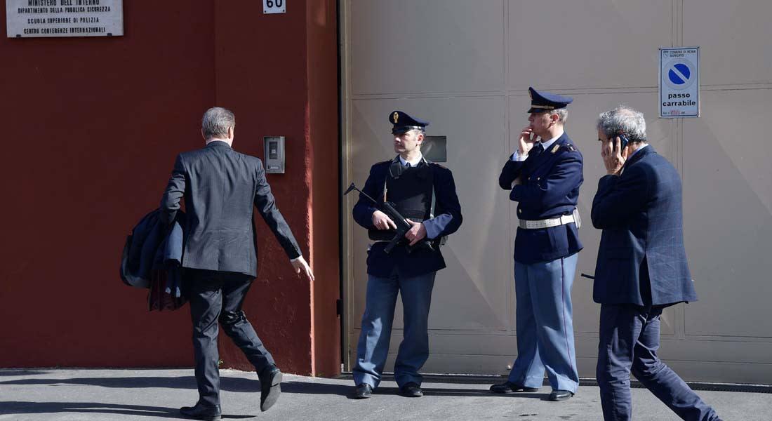"""إيطاليا تستدعي سفيرها من مصر بسبب قضية مقتل جوليو ريجيني.. وباسم يوسف: """"شغل الفهلوة ما ينفعش"""""""