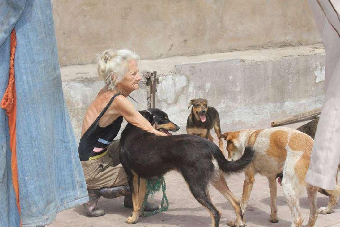 جمعيات الحيوان في المغرب تنعى رحيل أشهر مربية كلاب بالمملكة