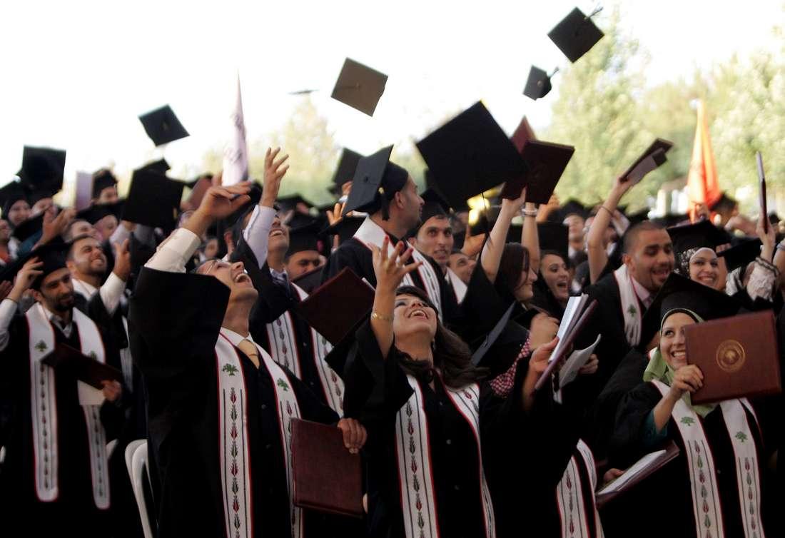 الجزائر تضاعف المنح المقدمة للطلبة الفلسطينيين وتمدّد فترة تسجيل القادمين من غزة