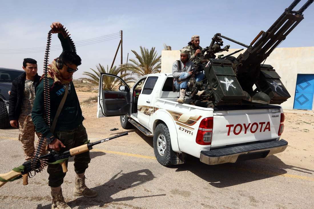 داعش ينسحب من درنة الليبية إثر مواجهات مع قوات نظامية ومسلحي القاعدة