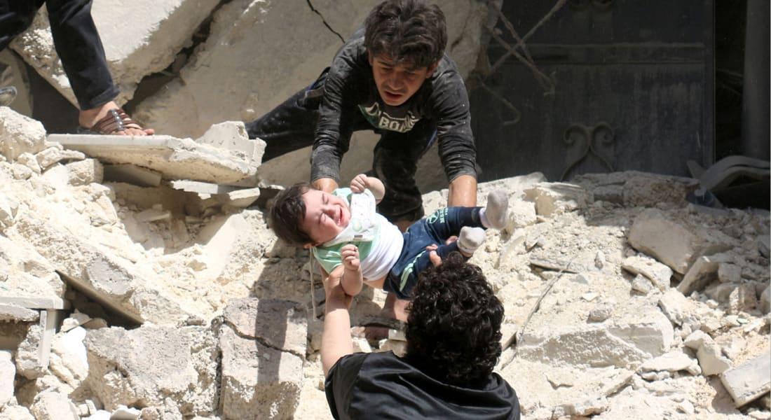 """ارتفاع عدد قتلى مستشفى """"القدس"""" إلى 50 شخصا.. وواشنطن: الغارة تشبه هجمات نظام الأسد على منشآت مماثلة"""