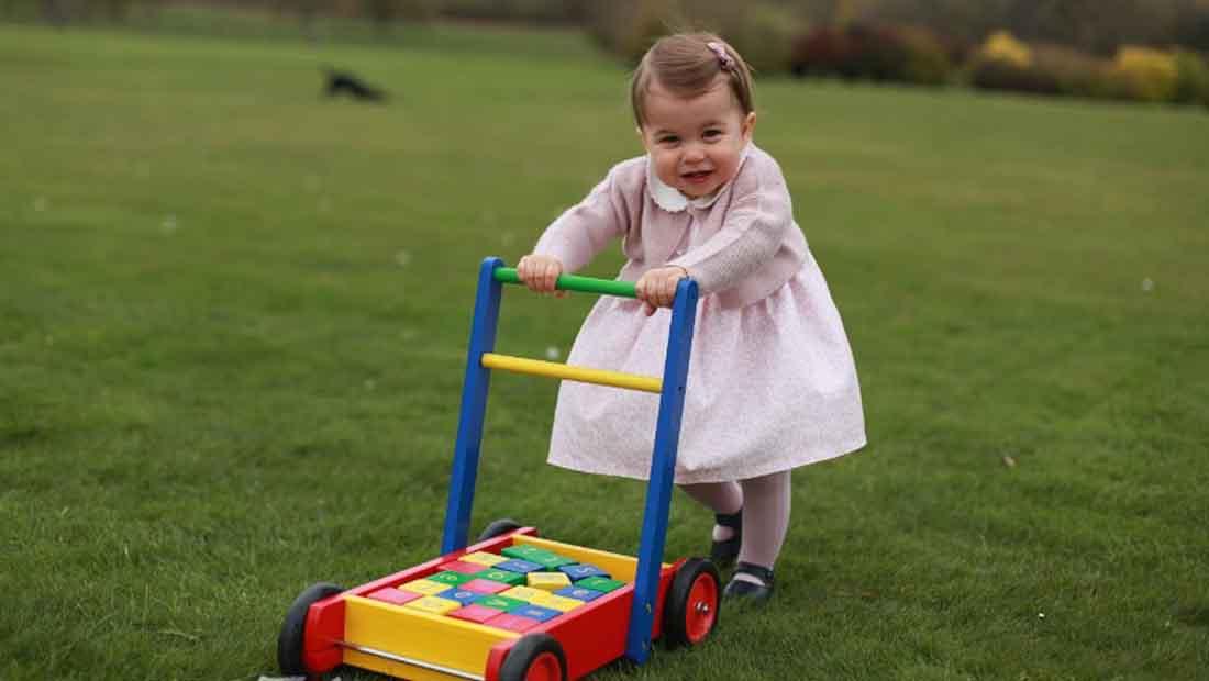 شاهد.. صور جديدة للأميرة شارلوت قبل عيدها الأول