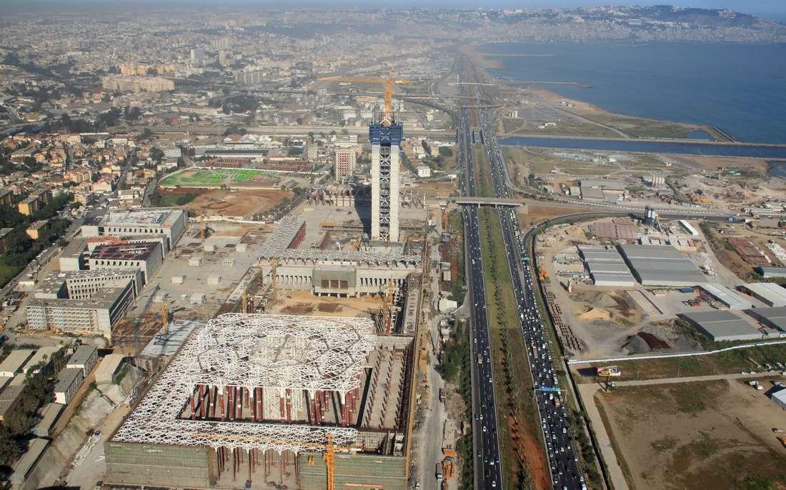 رغم الانتقادات.. الجزائر تؤكد استمرارها في إنجاز مشروع ثالث أكبر جامع في العالم