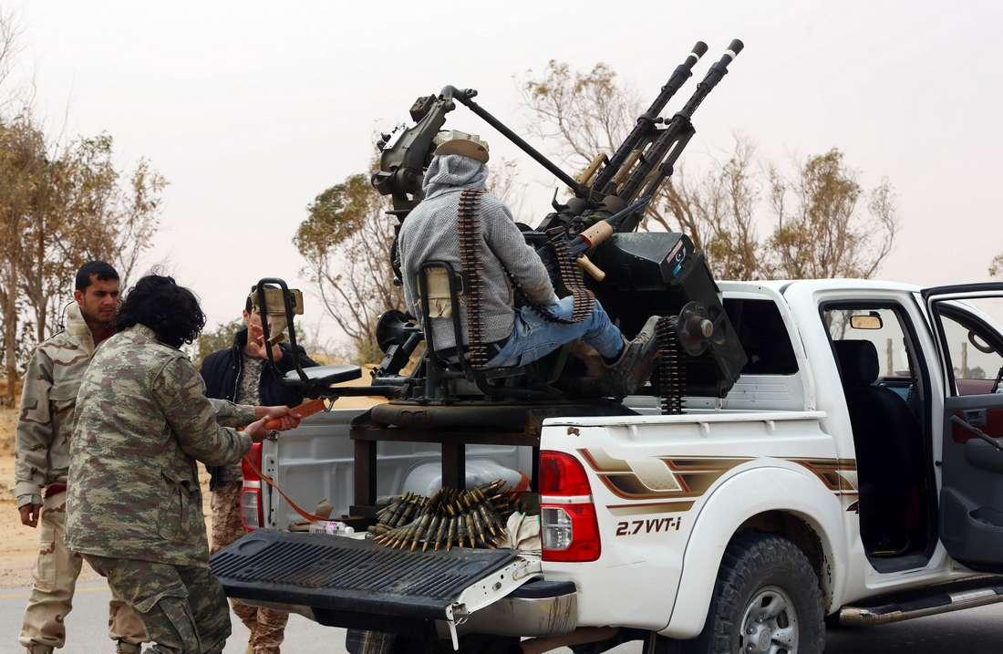 """""""داعش"""" يسيطر بالكامل على منطقة أبو قرين الليبية ويقترب من تطويق مصراتة"""