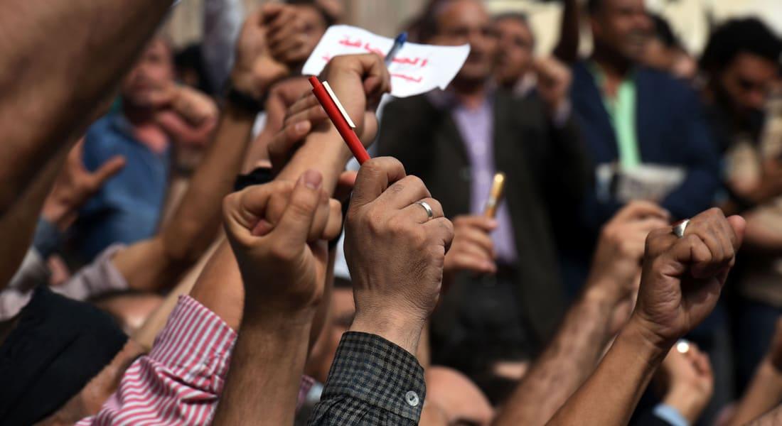 عمرو حمزاوي يكتب: مع الفيلسوفة حنا أرندت.. من يسأل عن الظلم في مصر؟