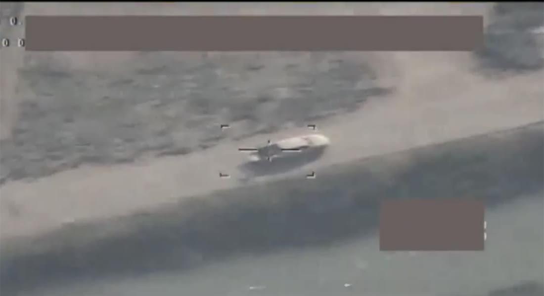 """بالفيديو.. """"الدفاع العراقية"""" تنشر تسجيلا للحظة اقتناص سيارات مفخخة وإرهابيين"""