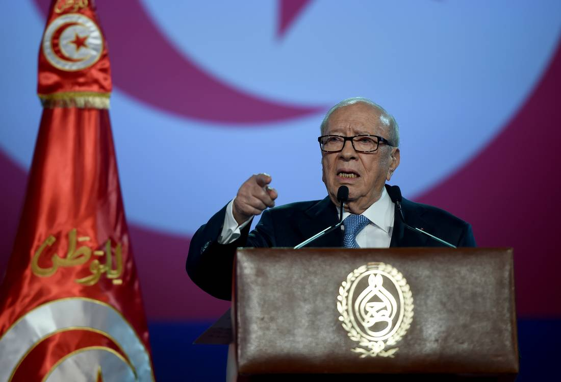 دعا إليها السبسي رسميًا.. تونس في طريقها لتشكيل ثامن حكومة بعد الثورة