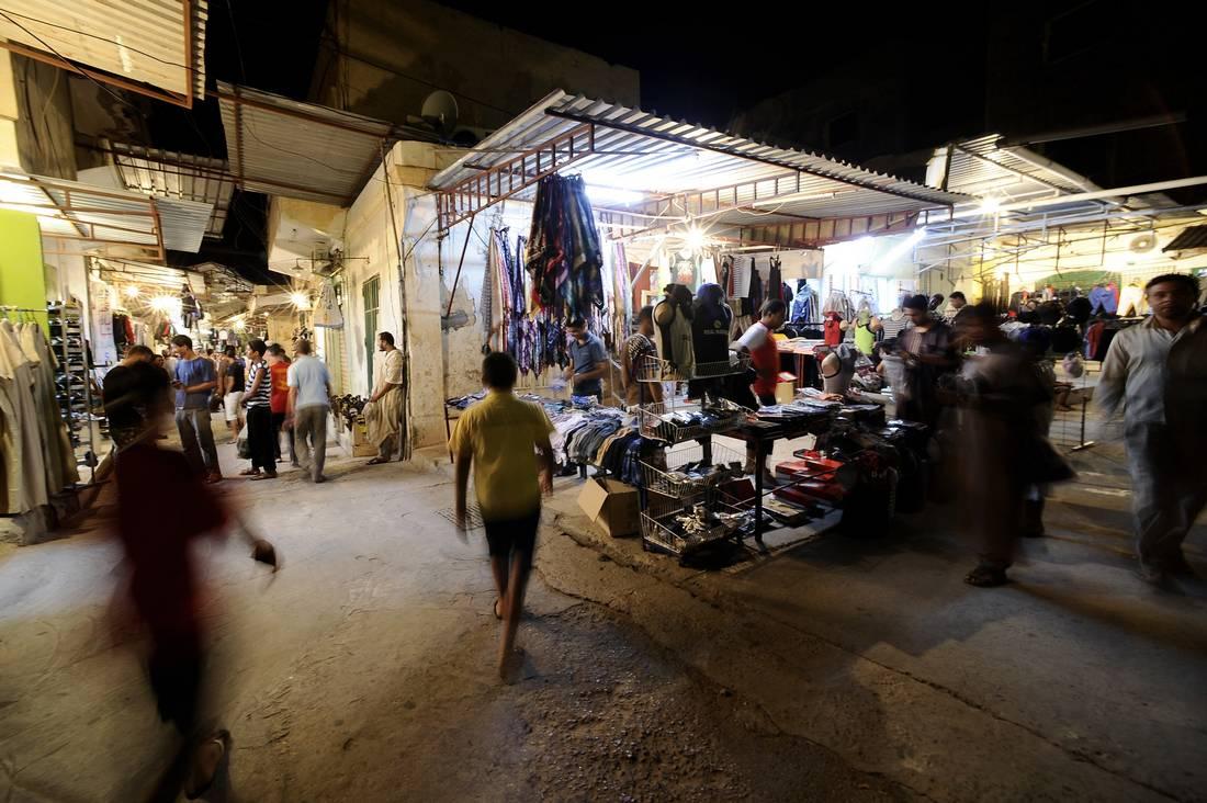 النوم نهارًا والسهر ليلًا.. ملاذ العديد من الليبيين لمواجهة حرارة جوّ رمضان