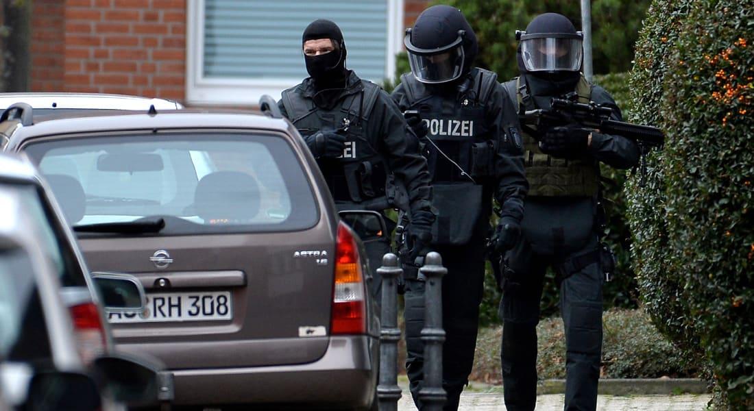 الشرطة الألمانية لـCNN: اعتقال لاجئ سوري قتل امرأة وجرح شخصين بسلاح أبيض