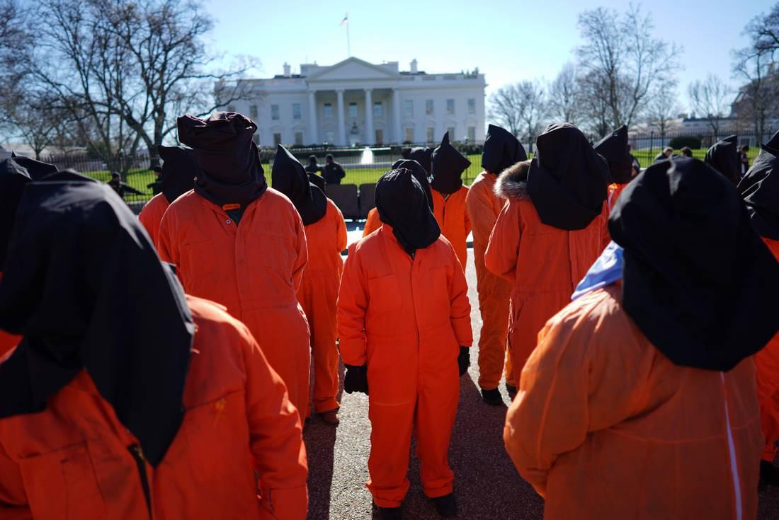 أسرة الموريتاني محمد ولد صلاحي تنتظر إطلاق سراحه من غوانتانامو