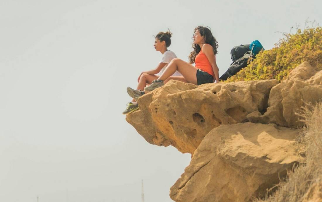فنانتان مغربيتان في رحلة استثنائية على الأقدام لاكتشاف بلدهما