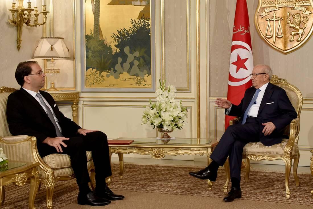 ردود أفعال متباينة حول حكومة الوحدة الوطنية في تونس