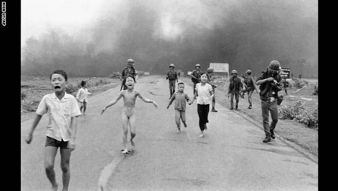 بعد انتقادات واسعة.. فيسبوك يتراجع عن حذف صورة طفلة حرب فيتنام