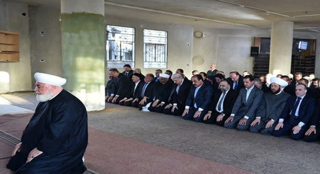 الأسد يصلي في داريا.. وخطيب العيد: هذا دليل على صدق الدولة