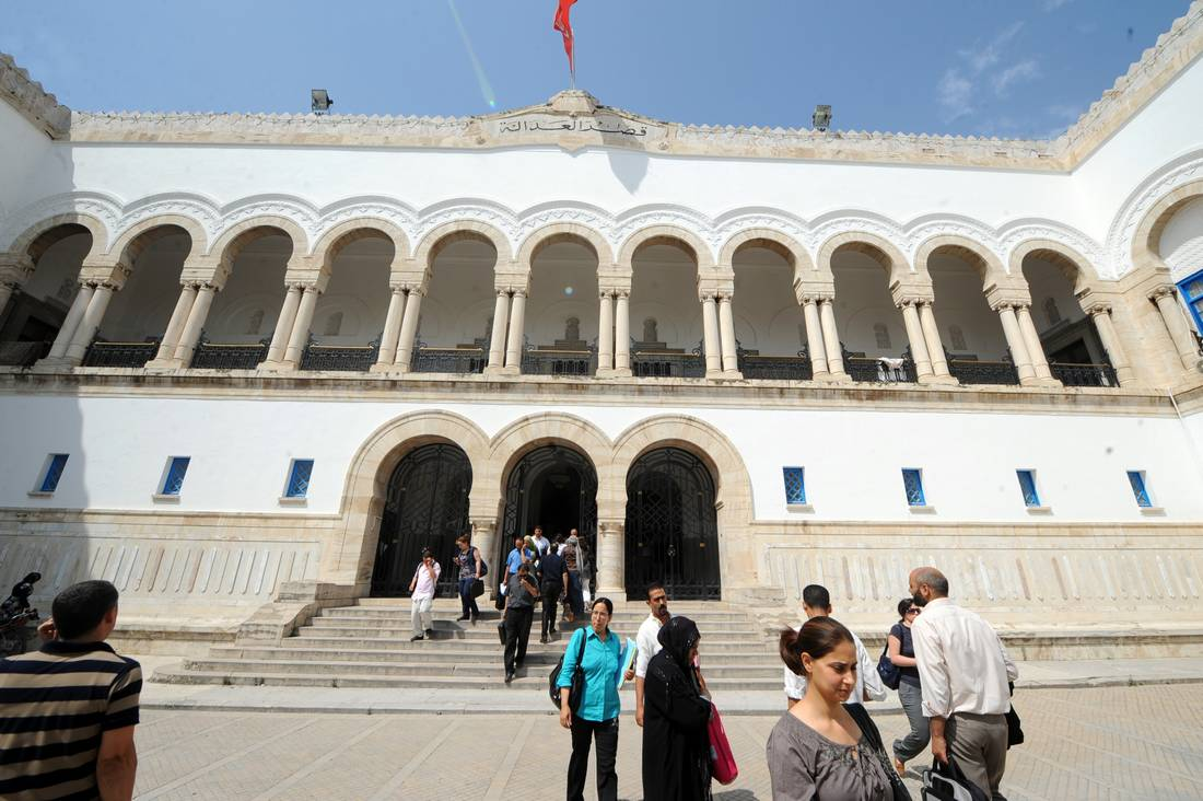 توتر بين اتحاديْ المحاماة في الجزائر وتونس بسبب شهادة الكفاءة المهنية