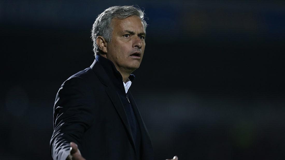 """مورينيو يسخر من منتقديه: يعتبرون أنفسهم """"أينشتاين كرة القدم"""""""