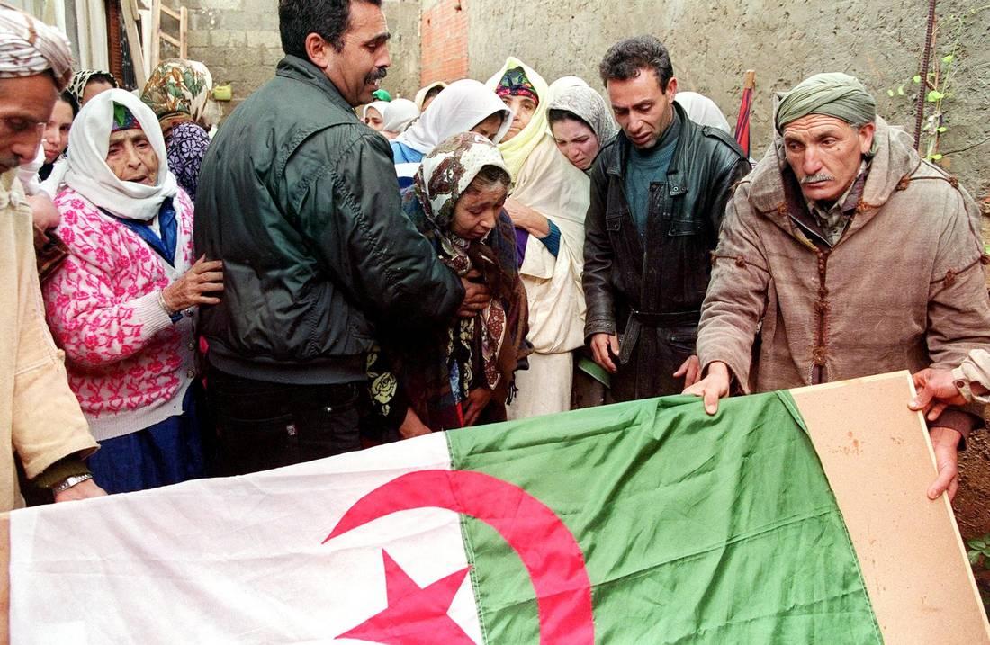 بعد 11 عامًا على إقراره.. هل حقق ميثاق المصالحة في الجزائر مبتغاه؟