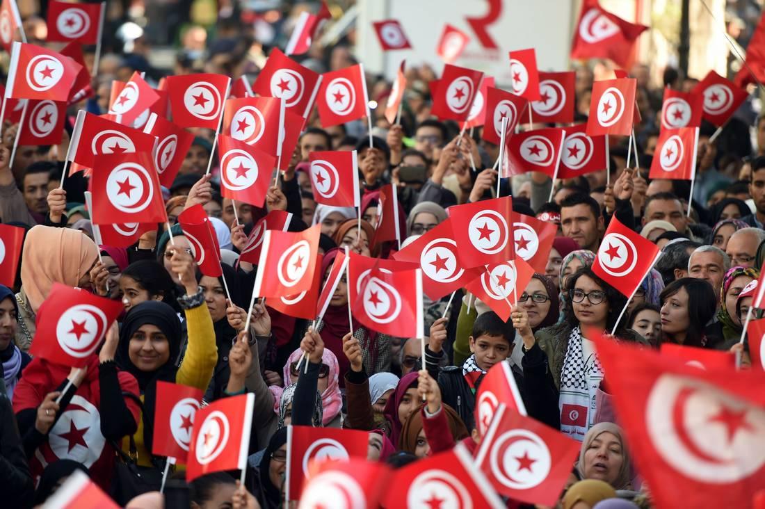 حدّ ما ينّجم يجهل القانون.. مبادرة في تونس لحث المواطنين على حفظ النظام