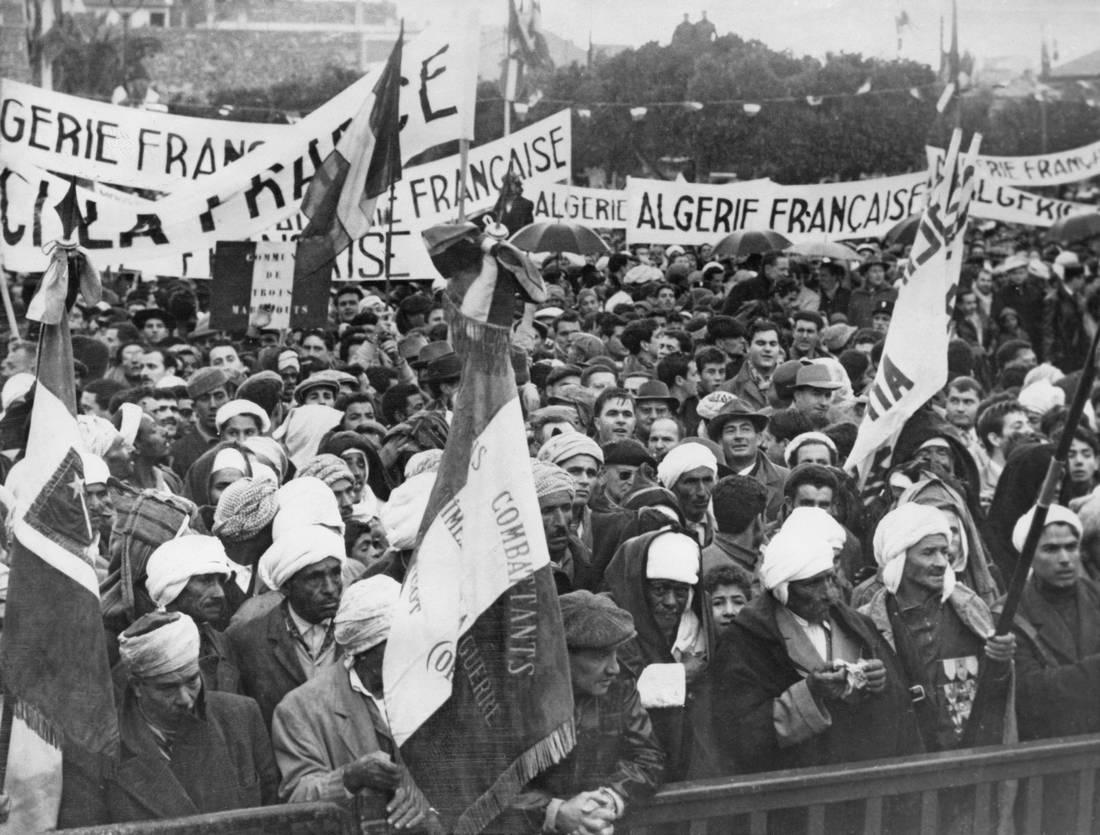 اكتشاف جماجم جزائرية مخبأة بباريس يعيد النقاش حول الاستعمار الفرنسي للجزائر