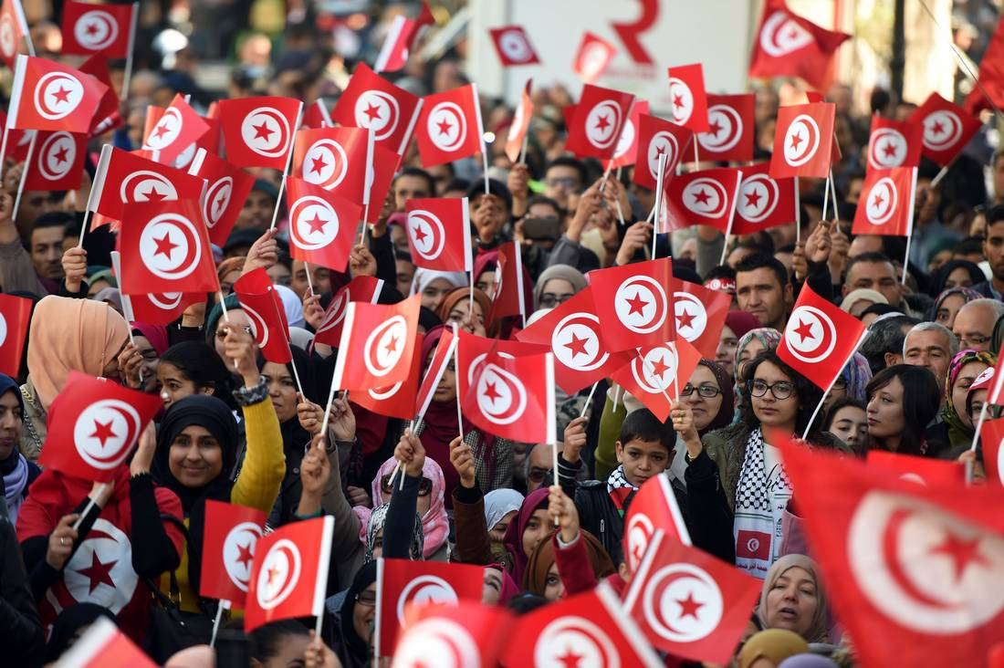 ميزانية تونس للعام القادم تتوقع اقتراض ثلاثة مليارات دولار