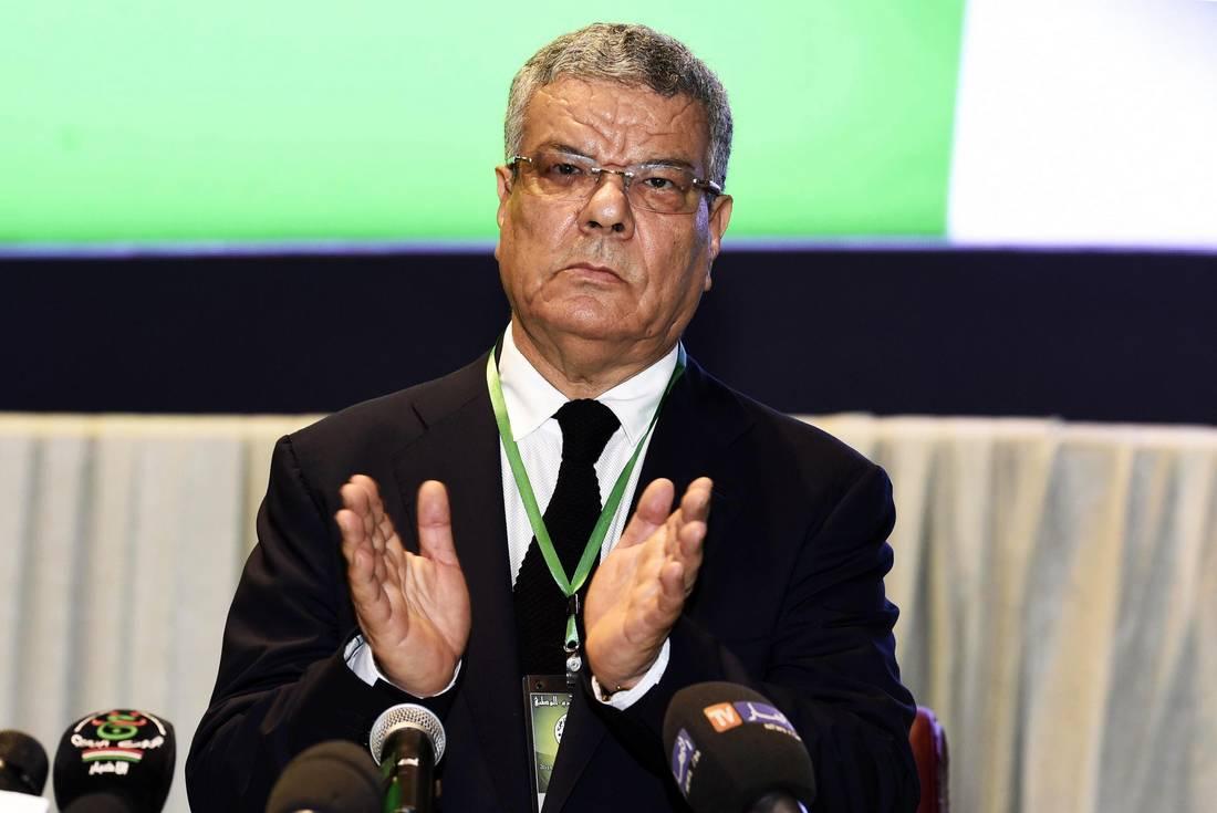 عمار سعداني يشغل الرأي العام الجزائري بانسحابه من زعامة الحزب الحاكم