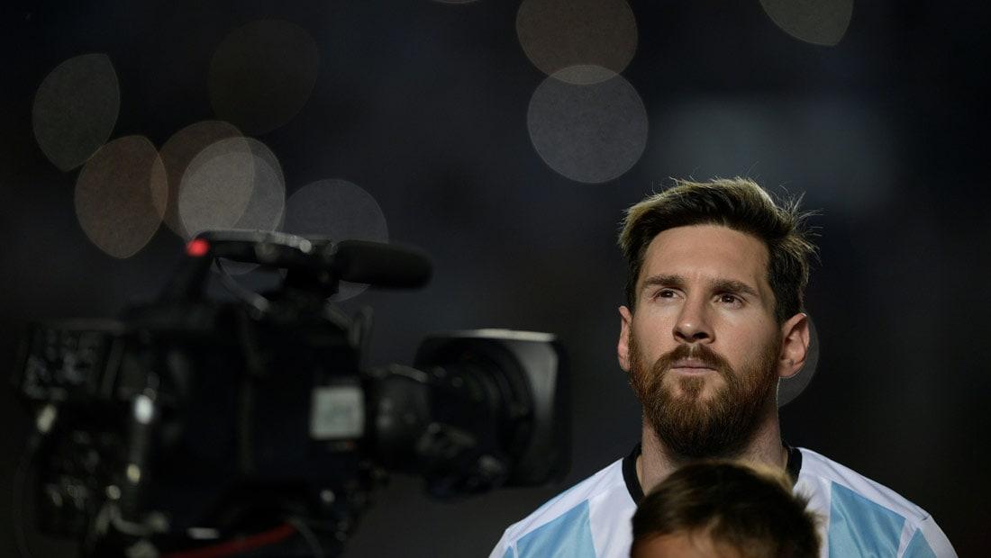ميسي يقود المنتخب لمقاطعة الإعلام الأرجنتيني: لن نسمح لكم بالاستمرار في قتلنا
