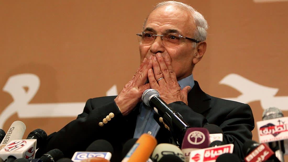 دفاع شفيق لـCNN: لم تعد هناك عقبات تمنعه من العودة لمصر