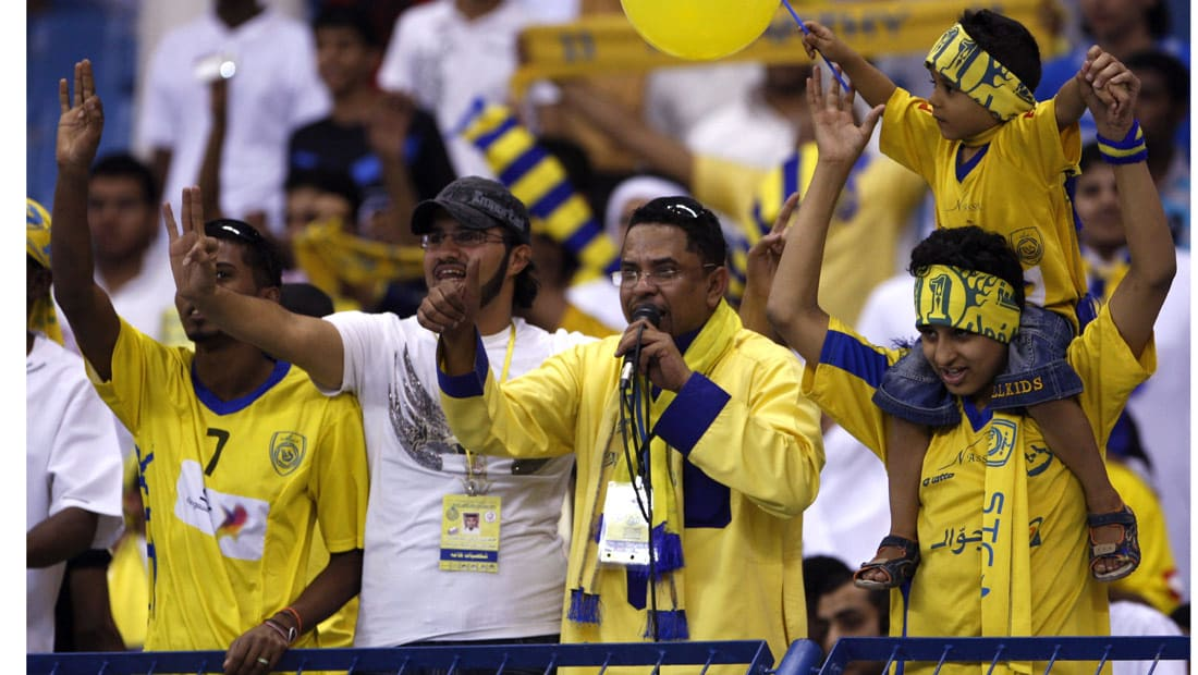 """النصر يهزم الاتحاد في """"الكلاسيكو الأصفر"""" ويخطف الوصافة"""
