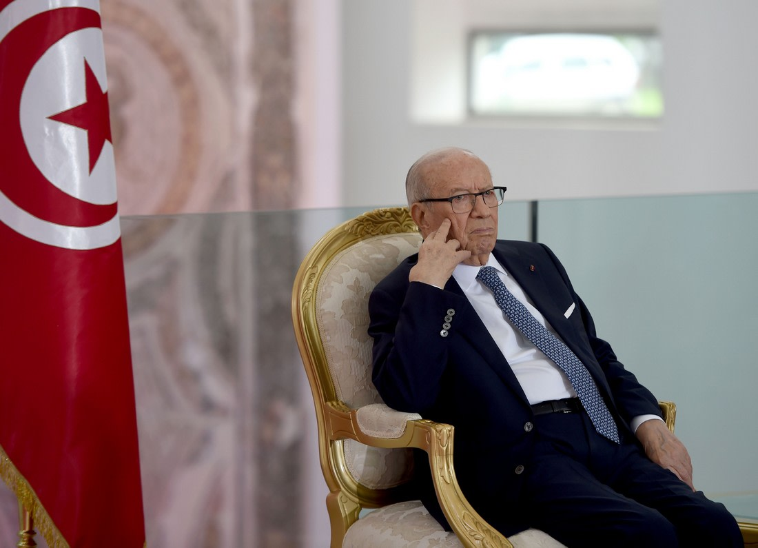 السبسي: وافقت على تحليق طائرات أمريكية فوق الأراضي التونسية لأغراض أمنية