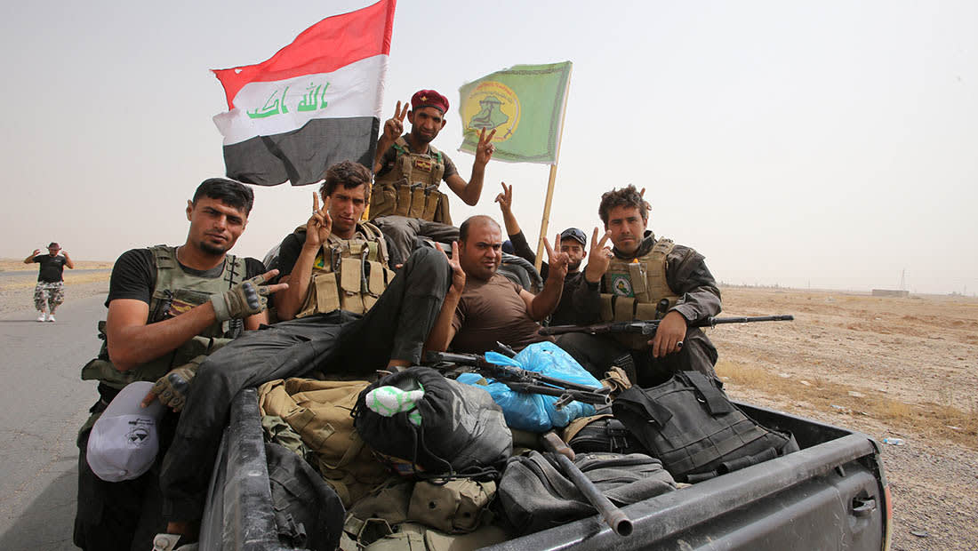 البرلمان العراقي يقر قانون هيئة الحشد الشعبي.. وتصبح جزءا من الجيش رسميا