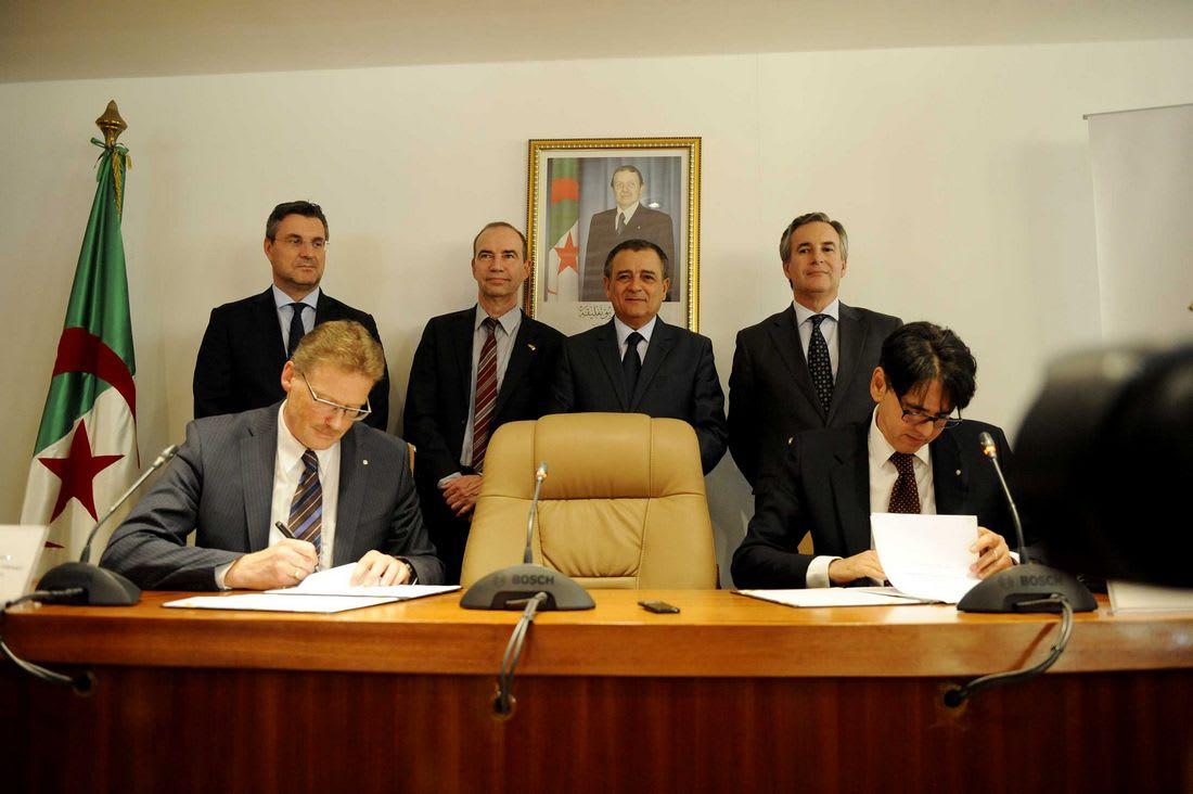 رسميًا.. فولكسفاغن توقع عقد إنشاء مصنع لها في الجزائر