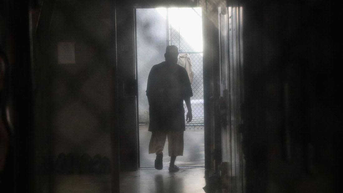 مصادر: أوباما يخطط لنقل سجناء بغوانتانامو قبل وصول ترامب للسلطة