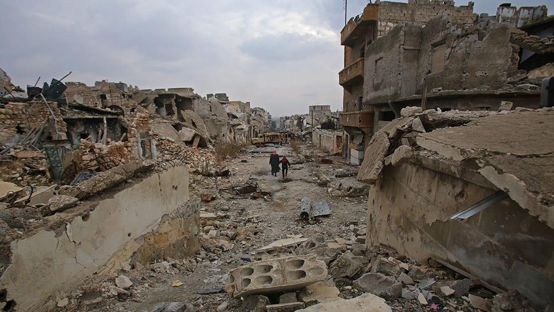 """جيش الأسد يعلن عودة """"الأمن والأمان"""" إلى حلب"""