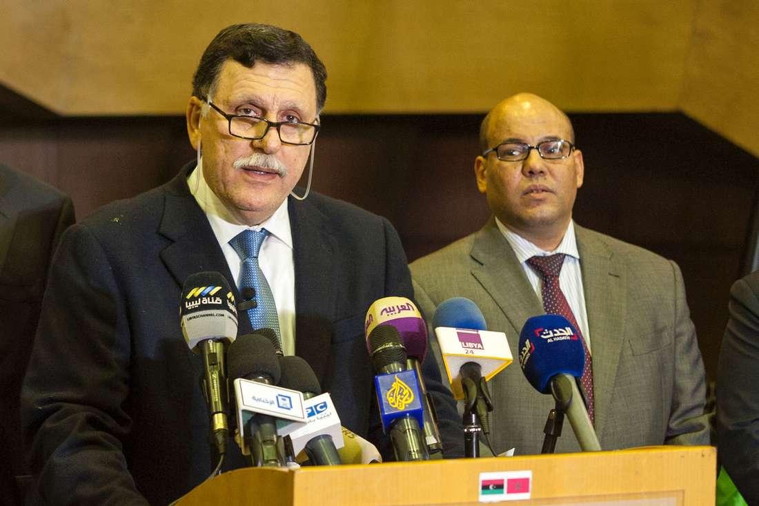 الجزائر تستقبل السراج أسبوعًا على توديعها خليفة حفتر